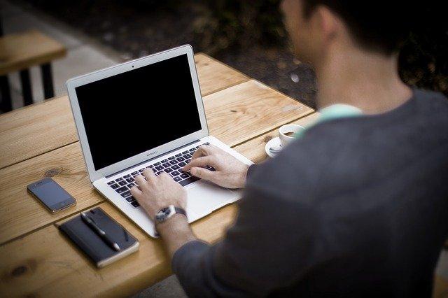 טיפים טכנולוגיים שיאפשרו לך לקחת את העסק שלך לכל מקום שאתה הולך