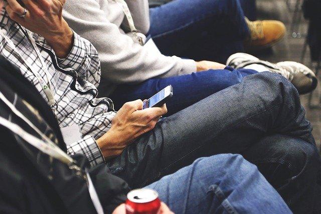 למרות המגיפה, כרטיס ביקור דיגיטלי עוזר לכנסים דיגיטליים להתעורר ולחיים, ואנשים ברשת מקוונים באמצעות כרטיסי ביקור דיגיטליים ללא מגע
